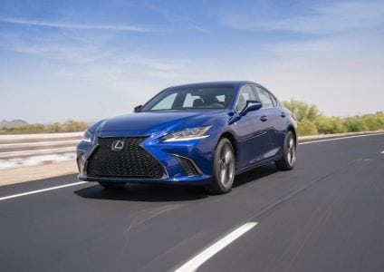 Lexus to Begin CarPlay Rollout in New Vehicles in September