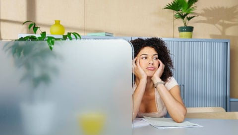 8 Ways for Creative Professionals to Combat Boredom at Work