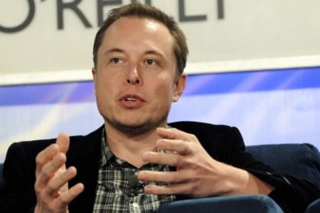 Tesla CEO takes to Twitter to counter Consumer Reports review