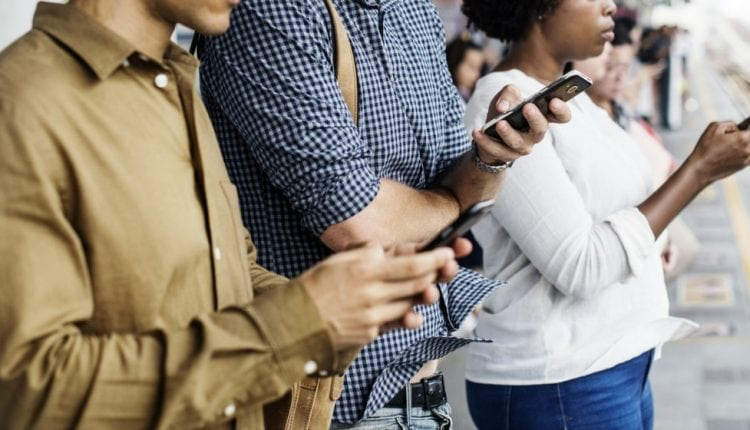 6 ways to connect with your eCommerce customers and humanize your brand