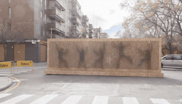 Someone built a super-sized pin screen toy – Info Web Design