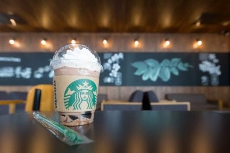 Starbucks vows to ditch straws by 2020