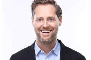 The Fallacy of First-Mover Advantage: Ryan Holmes of Hootsuite on Marketing Smarts [Podcast] – Info Marketing