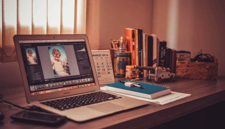 After reading this article, I found the laptop which help me do my work easily – Info Graphic Design