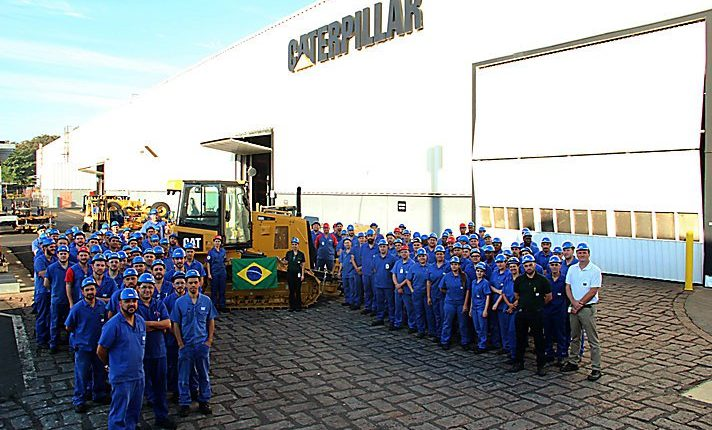Caterpillar sells 50,000th bulldozer produced in Brazil | Robotics
