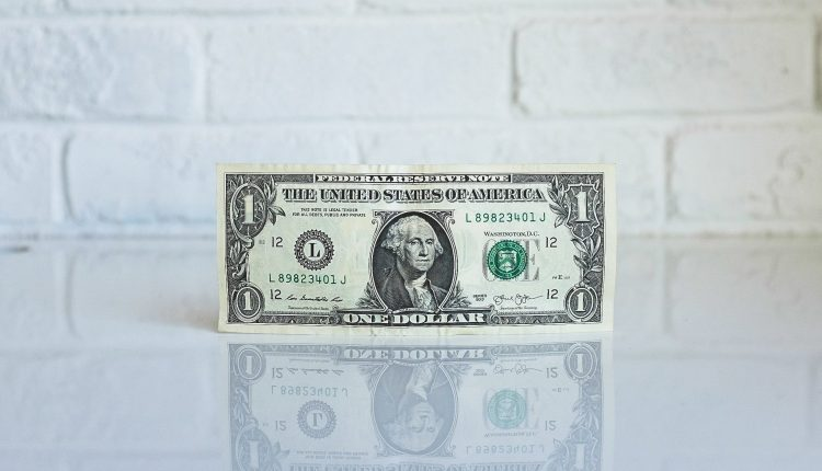 Weekly Roundup:Sales Experts Share The Skills You Need to Raise Your Salary + More | Sales
