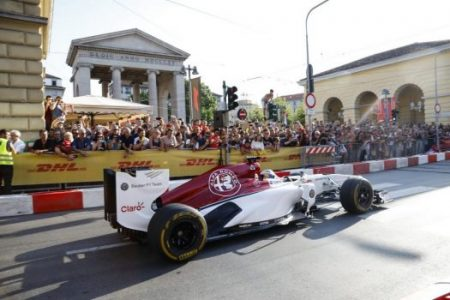 Alfa Romeo-Branded Sauber F1 Team Puts On A Show In Milan | Feature