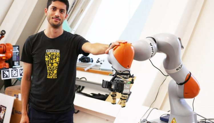 Robots can now pick up any object after inspecting it | Robotics
