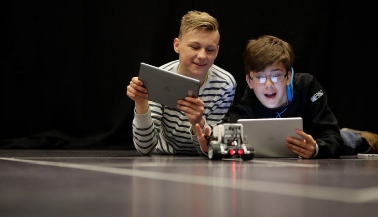 Apple Stores in Europe Offering Free Coding Sessions for Code Week | Mac