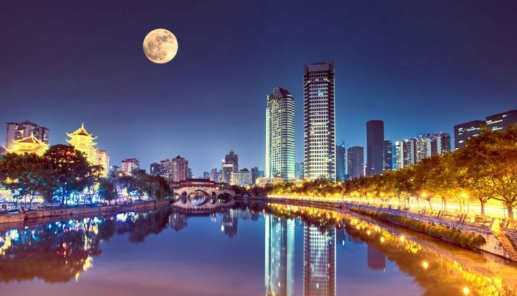 A Chinese City Plans to Replace Its Streetlights With an Artificial Moon | Virtual Reality