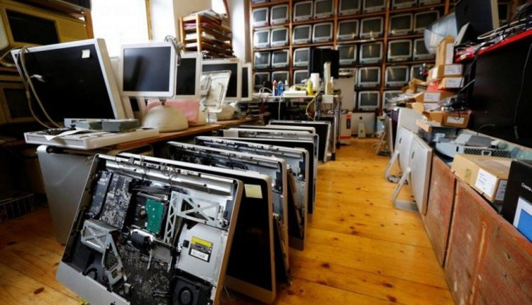 Huge Collection of Apple Computers Up for Sale as Longtime Austrian Repairman Goes Out of Business | Mac