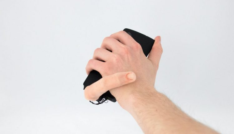This uncanny robot finger for your smartphone will give you nightmares | Tech Top