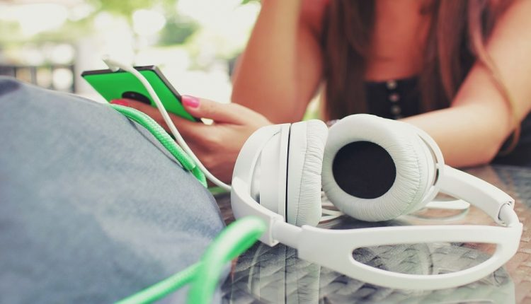 5 awesome podcasts for entrepreneurs who want to start, grow or improve their ventures | Email Marketing