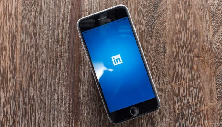 LinkedIn used 18 million non-user e-mails to target Facebook ads