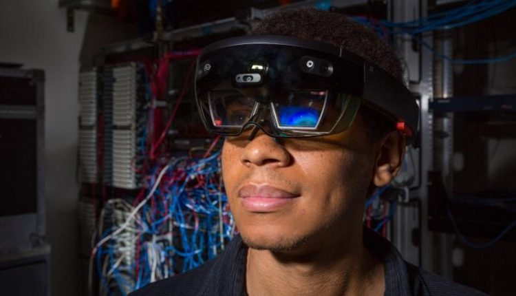 Microsoft Wins $480M Contract to Provide HoloLens to US Military