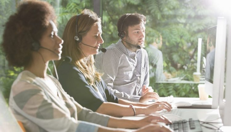 Best Use an Answering Service to Convert Those After-Hour Calls You've Been Missing