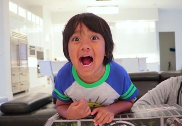 7-year-old YouTube star earns P1.2B from toy reviews