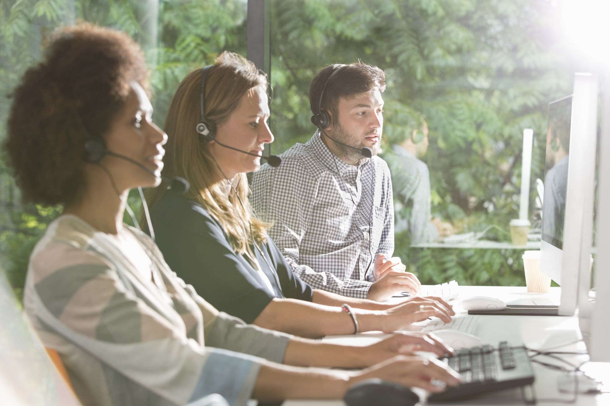 How to Best Use an Answering Service to Convert Those After-Hour Calls You've Been Missing