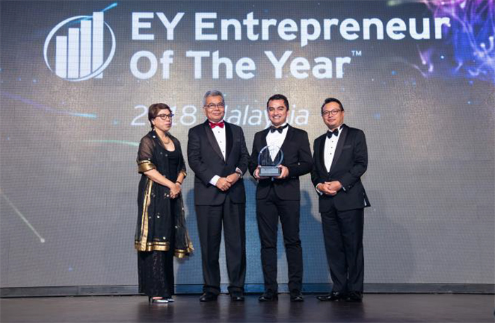 (From left) Rebecca Fatima Sta Maria; Minister of Entrepeneur Development of Malaysia Mohd Redzuan Yusof; Forest Interactive CEO Johary Mustapha; and EY Malaysia country managing partner Rauf Rashid