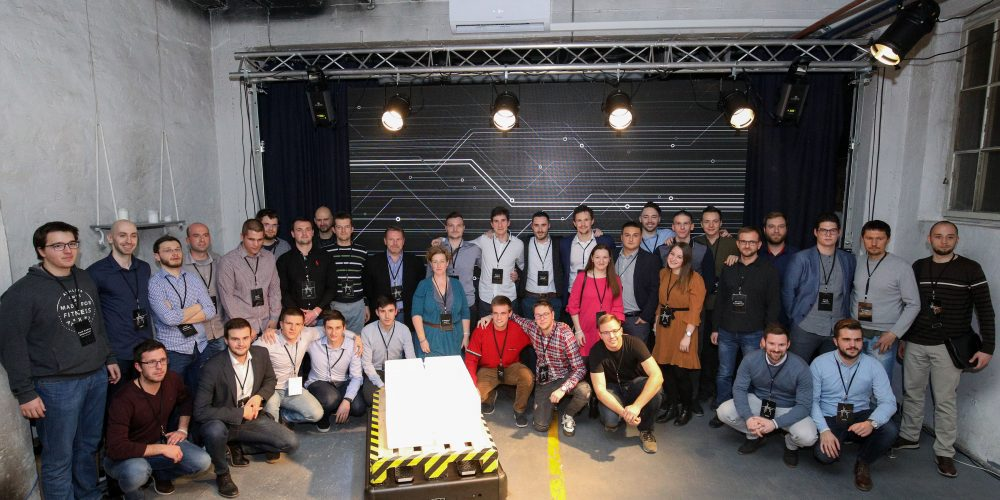 Gideon Brothers Launches Commercial Logistics Robot, Announces Funding