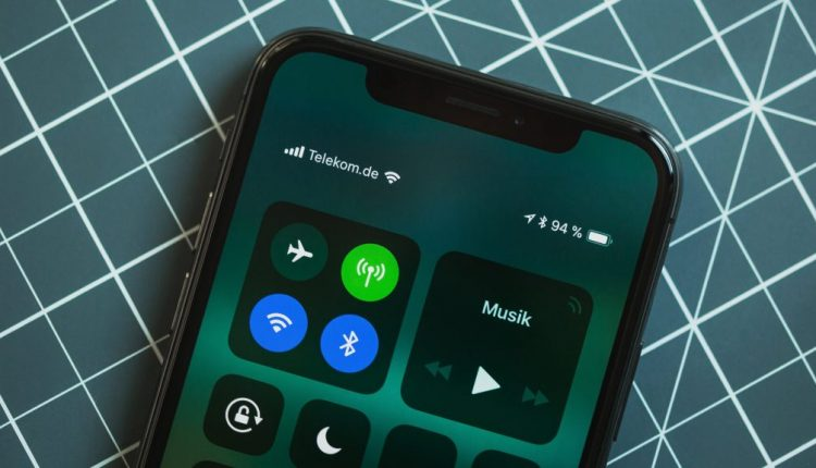 Apple is not going to abandon the notch