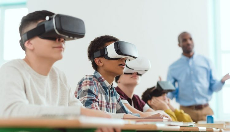 Microsoft wants to bring a VR curriculum to schools