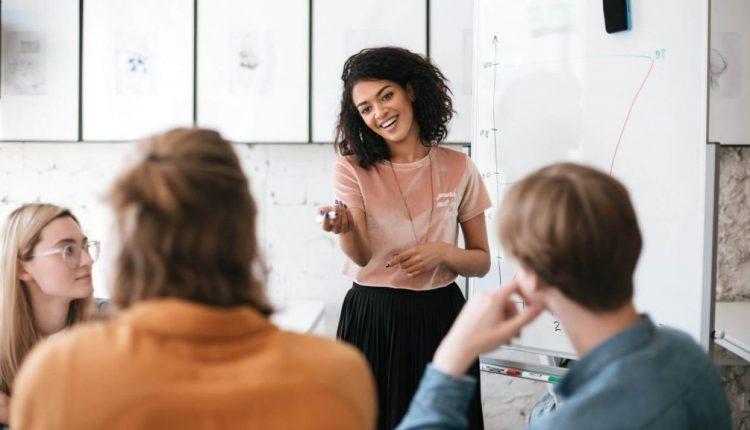Digital agencies are hiring, focusing on retention in 2019
