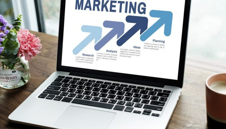 8 Digital Advertising and marketing Tricks to Develop Your Model Presence and Attain