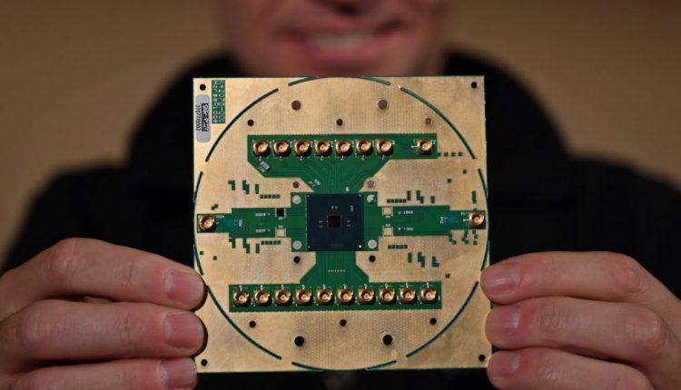 Intel Cryogenic Chip Will Speed Up Quantum Computer Development