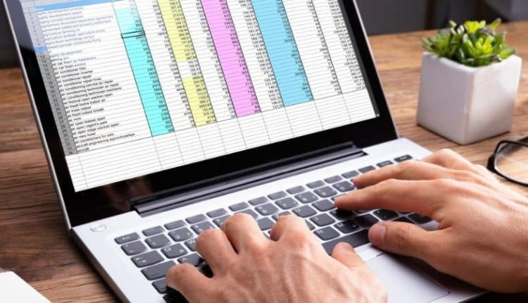 How to Import Stock Prices and Geography Into Excel