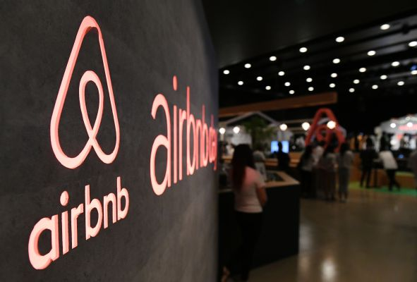 Airbnb reportedly lays off contractors and cancels summer internships