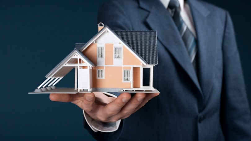 Real Estate Agent Home Mini Model